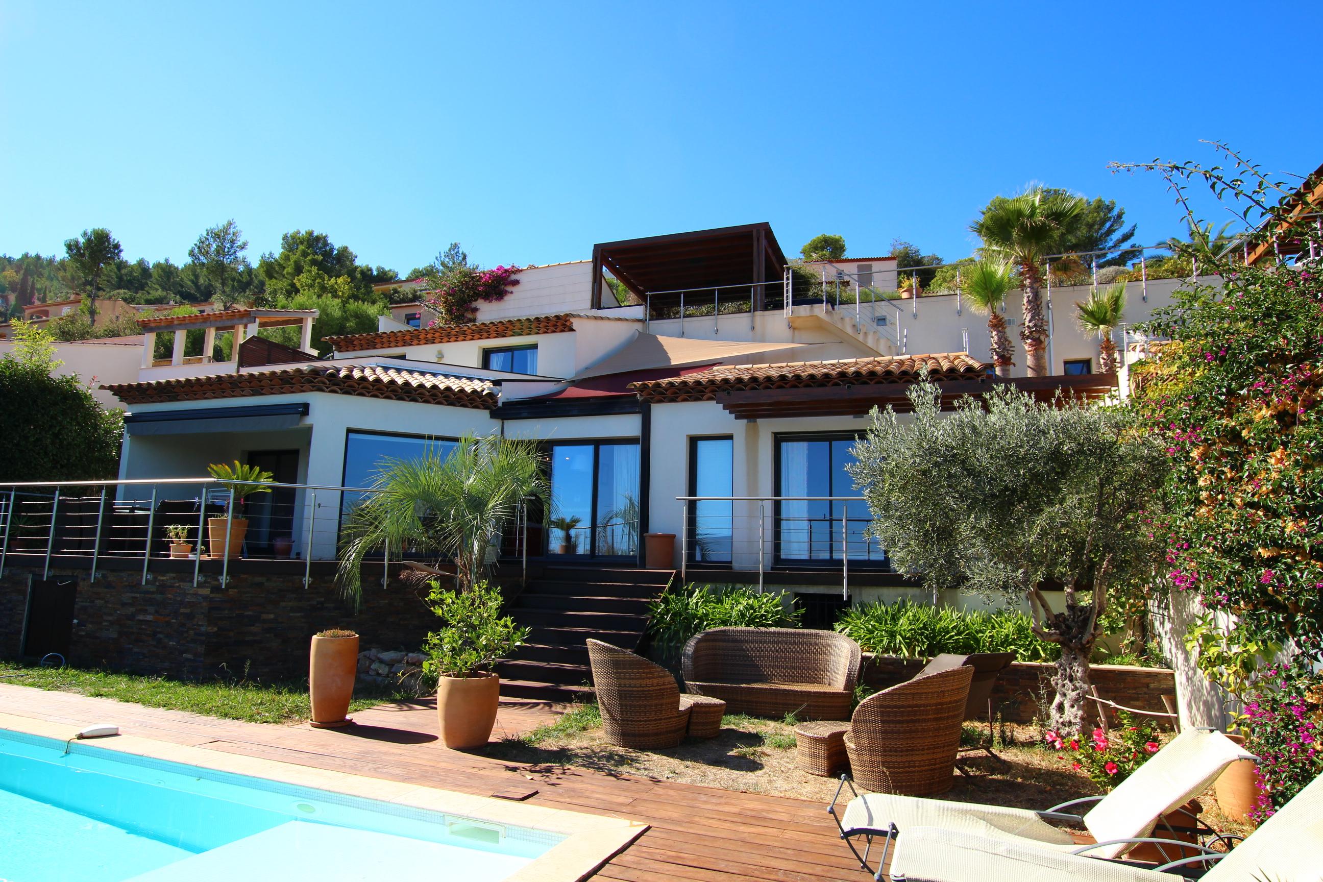 Vente maison contemporaine vue mer à Hyères 83400